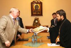 Председатель РС ЕХБ Алексей Смирнов встретился с главой ОВЦС МП Митрополитом Иларионом