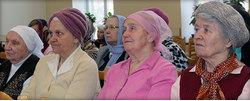 Встреча вдов в московской церкви «Воскресение»