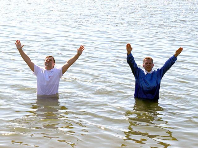 Фоторепортаж об общемосковском крещении церквей ЕХБ