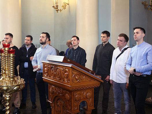 Фоторепортаж о встрече молодежи церквей ЕХБ с Митрополитом Иларионом