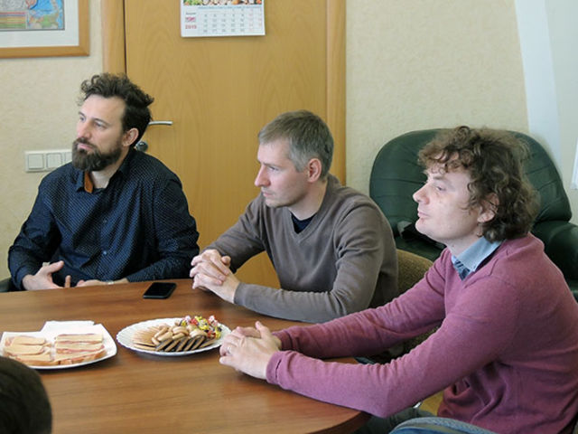 "Leadership of the UECB Blesses Radio Station ""Free Radio"""